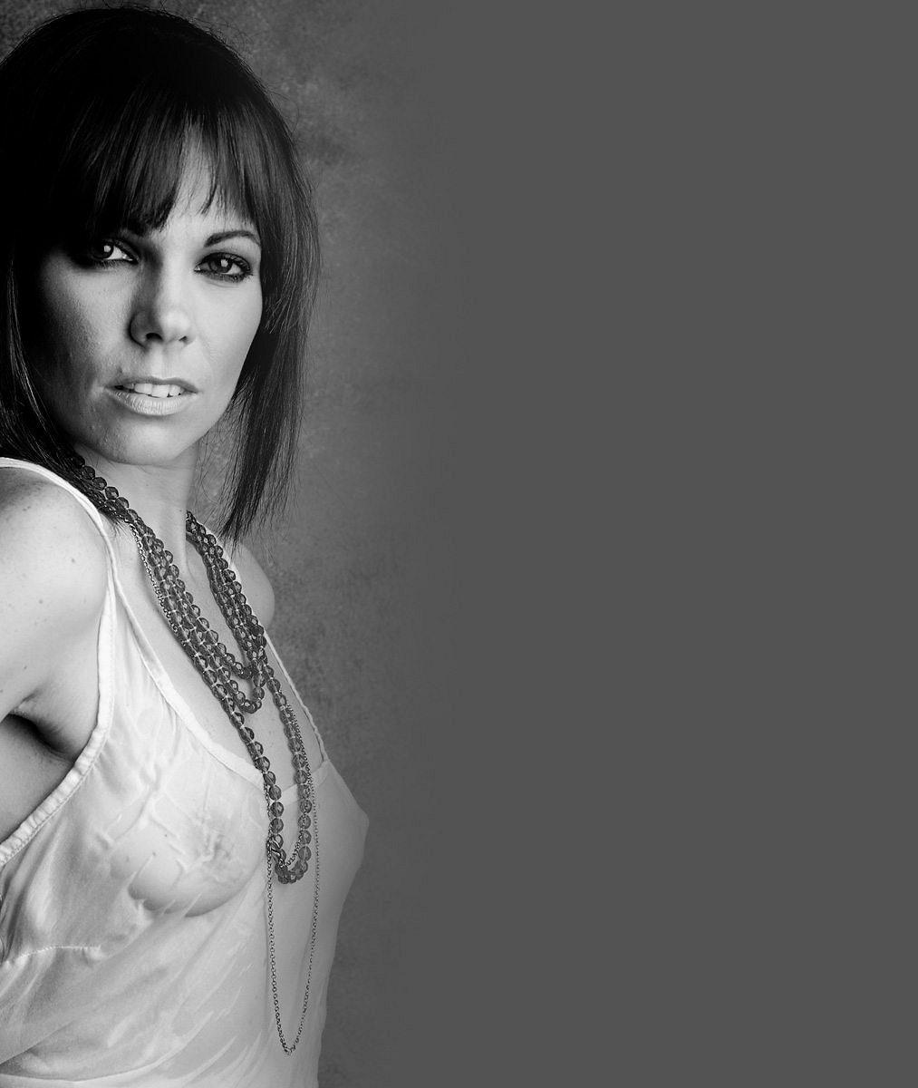 Zhubla spoustu kilogramů azměnila háro: Ze zpěvačky Noskové je zrzavá sexbomba