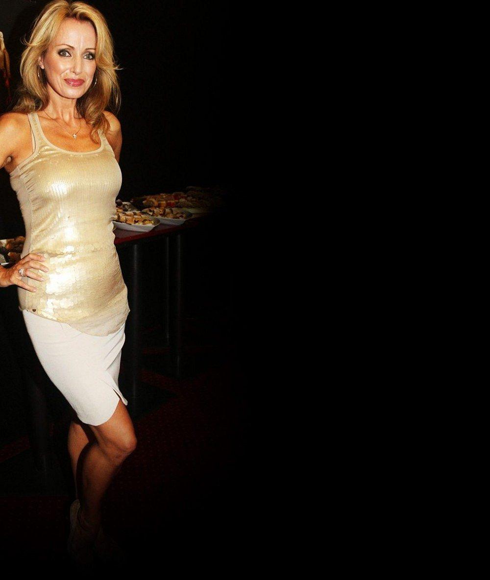 Takhle sexy ji neznáme: Kateřina Brožová se předvedla ve svůdném modelu coby zpěvačka Rita Ora