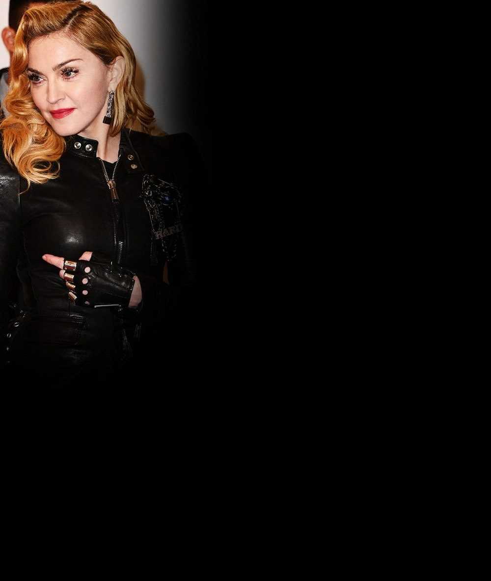 A je to tady! Víme, s kým bude Madonna trávit Vánoce poté, co opustila o třicet let mladšího zajíčka