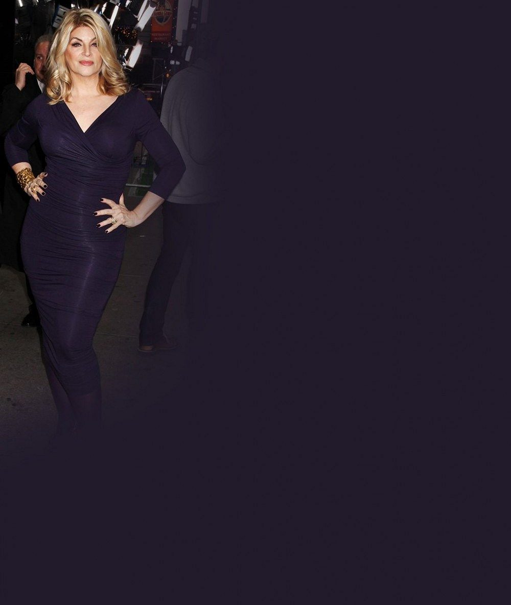 Zázračná dieta, nebo šaty? Kirstie Alley vypadala oproti měsíc starým fotografiím poloviční!