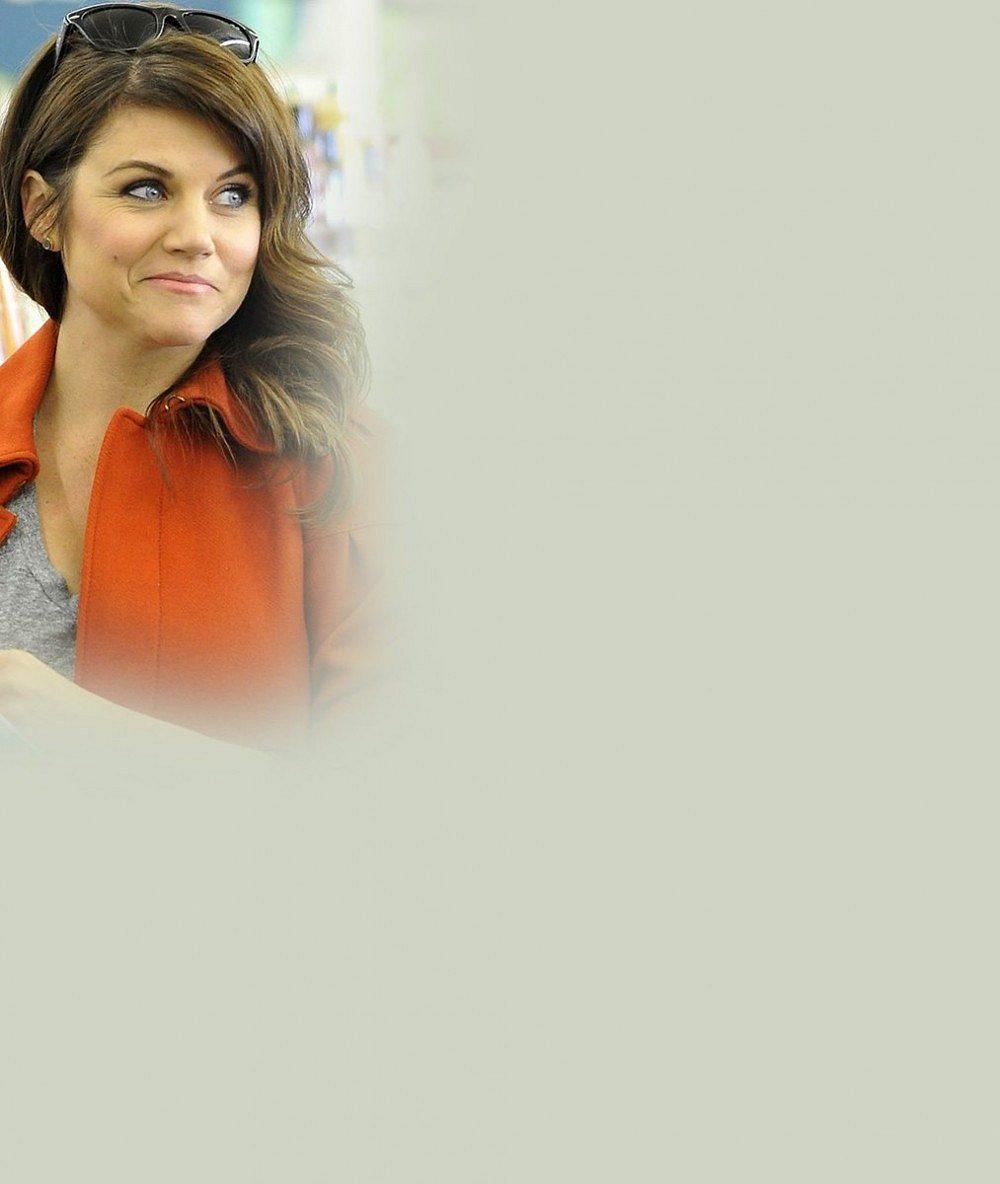 Podívejte, jak se nám zakulatila krásná herečka známá jako mrcha Valerie z Beverly Hills 90210