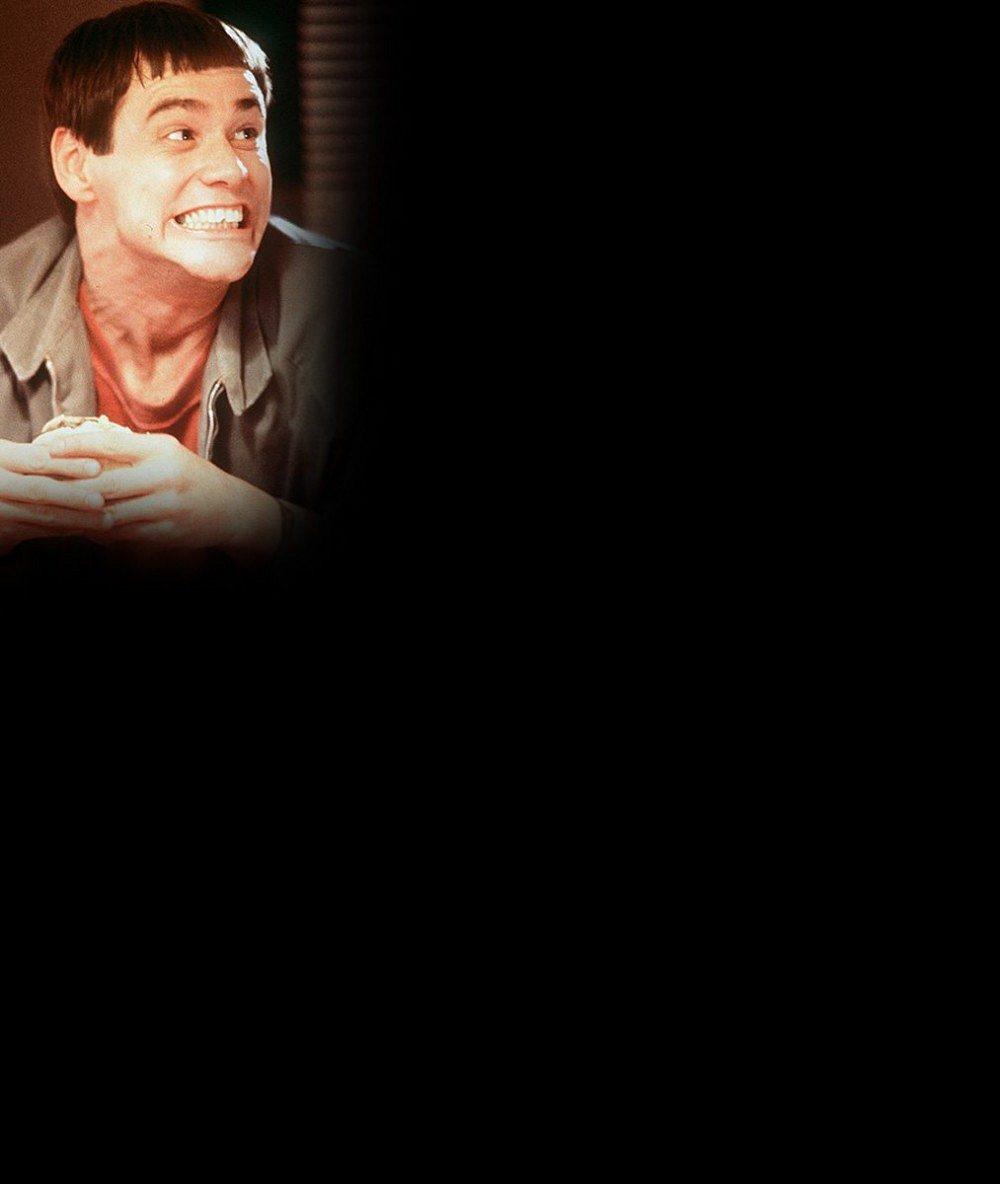 Otřesný účes podle hrnce! Miley Cyrus vypadá jako Jim Carrey v Blbém a blbějším