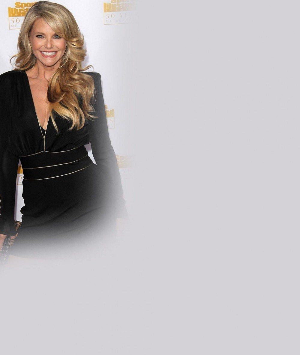 Šedesátka na krku ačtyřicátnice blednou závistí: Christie Brinkley vám vyrazí dech