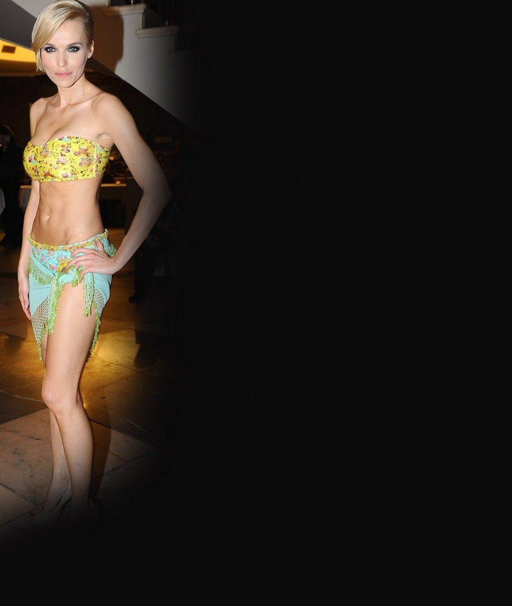 Tohle luxusní tělíčko je teď k mání: Hanka Mašlíková v horkých dnech vystrčila své půlky v pidi bikinách