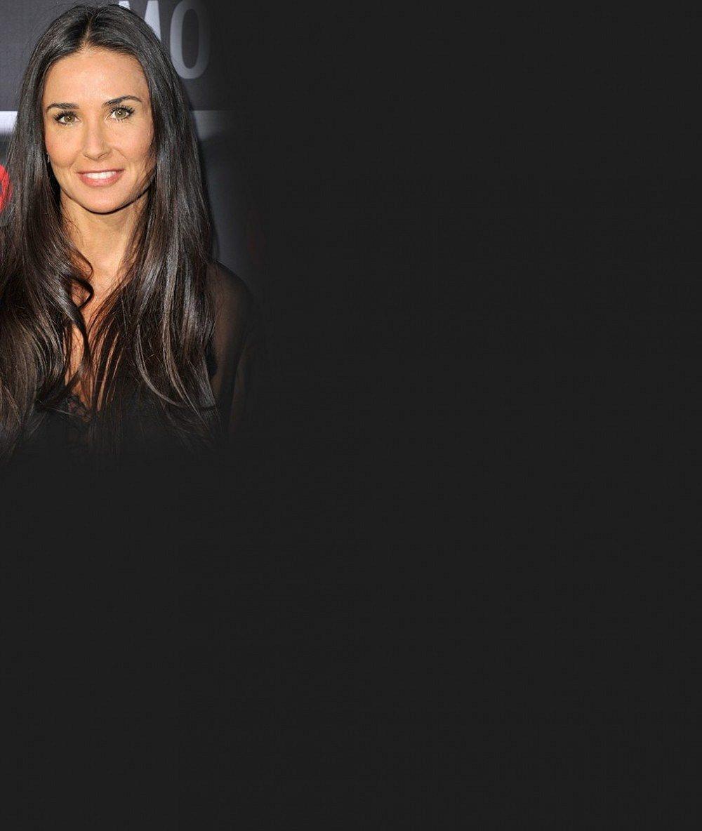 Co s 'dědou' Ashtonem? Demi Moore prý klofla dalšího svalovce. Je mladší skoro o třicet let!