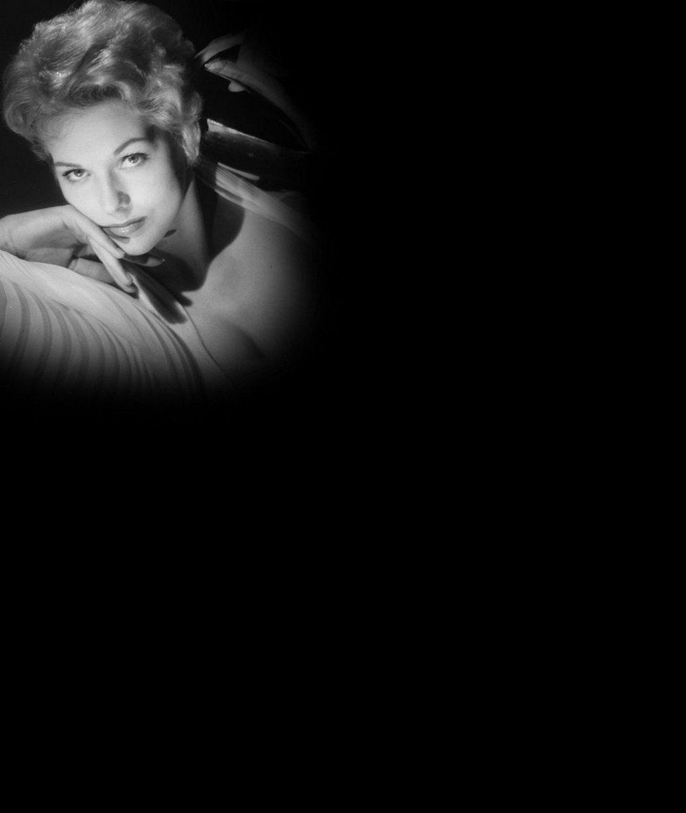 Hvězda českého původu ze slavného Hitchcockova filmu v 81 letech šokuje přeplastikovaným obličejem