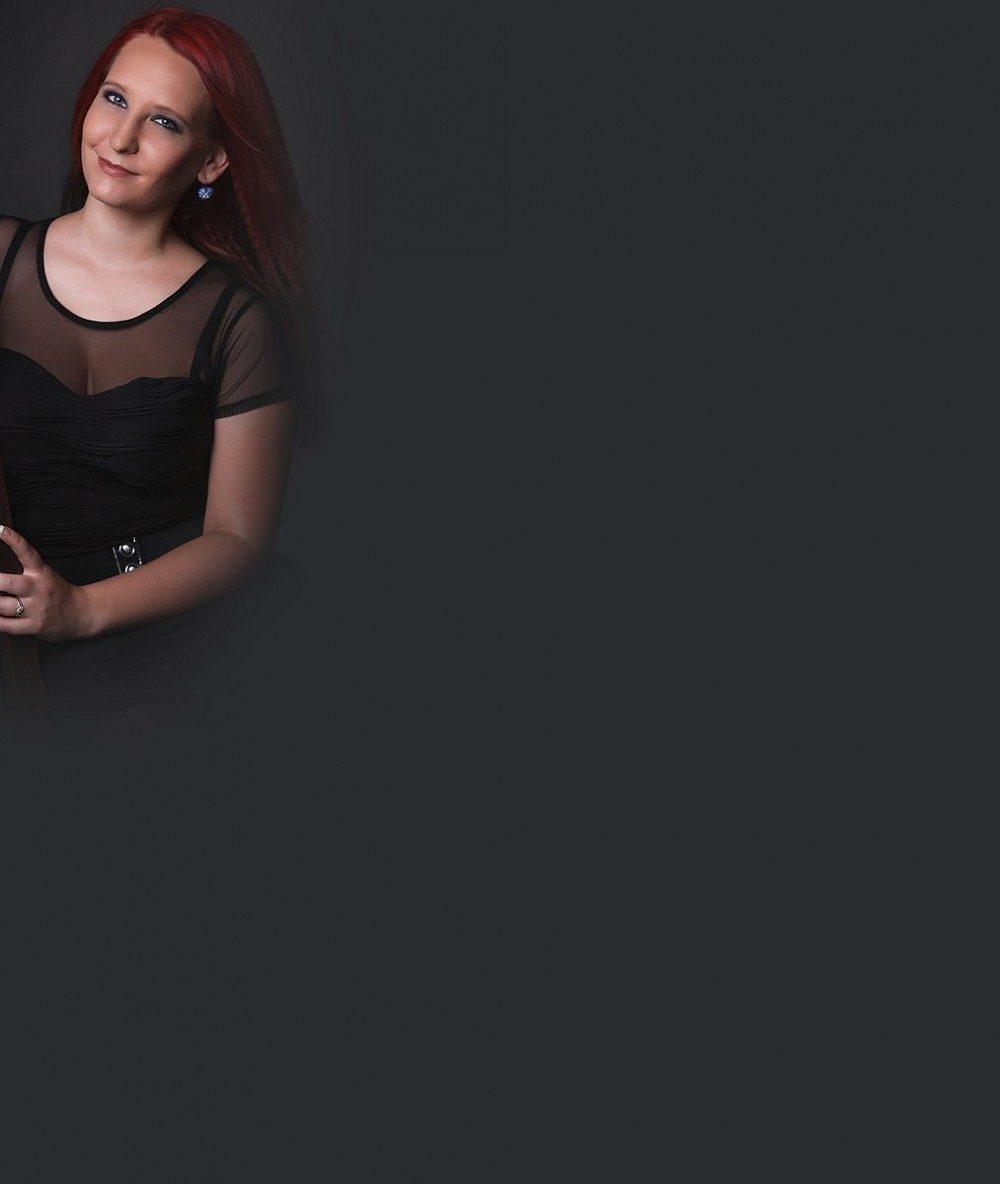 Nejsou jí ty šaty v dekoltu malé? Podívejte, čím okouzlila finalistka třetí SuperStar nového přítele