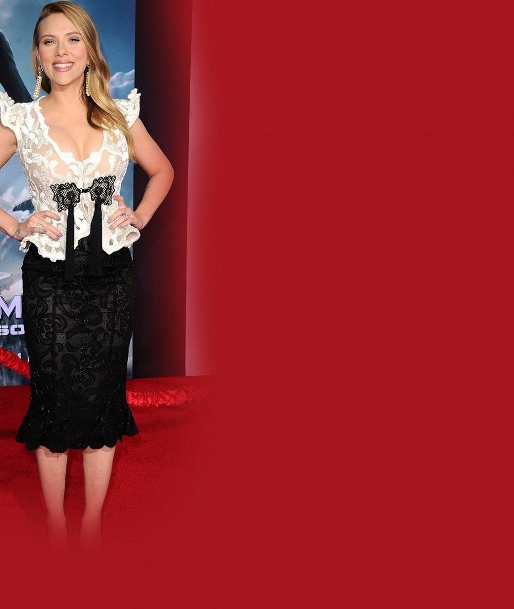 Scarlett Johansson se chlubila těhotenstvím: Bříško zatím žádné, zato dmoucí se vnady. Jsou obrovské!
