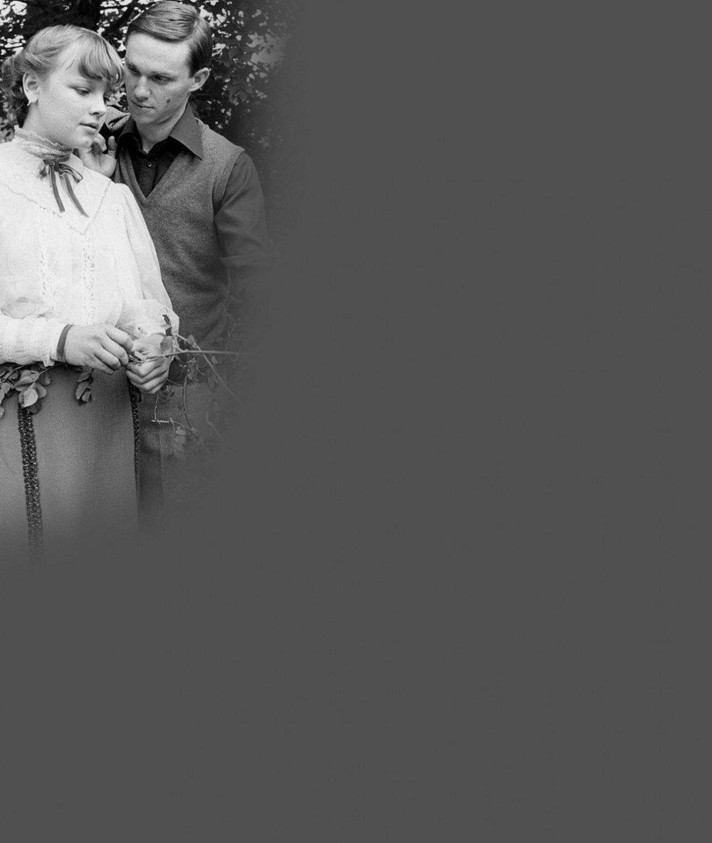 Tyhle fotky dělí 35 let: Evička Tričko jako 15letá květinka i odkvetlá dáma s vráskami a tváří bílou jako stěna