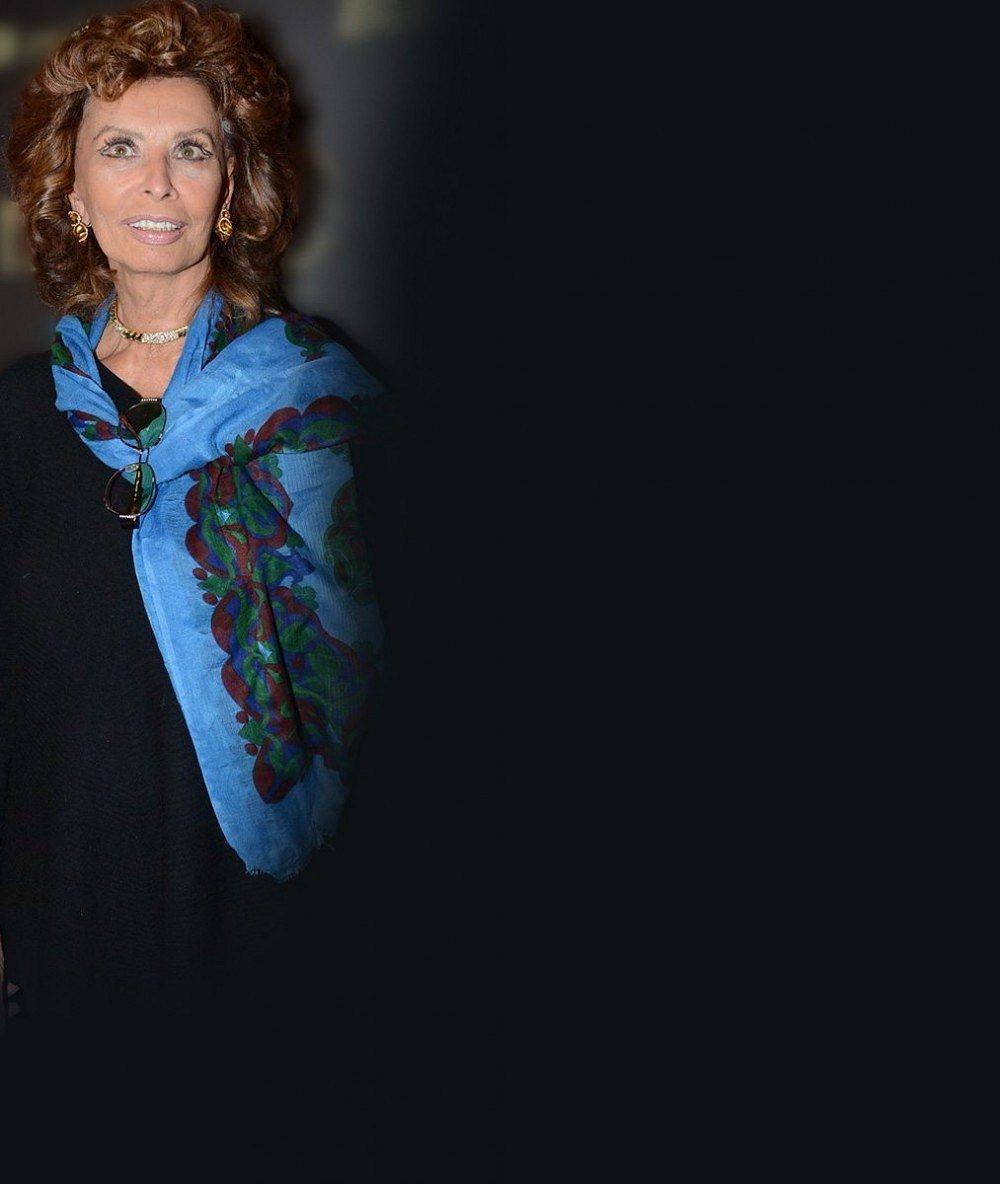 Opravdu oslavila osmdesátku? Filmový sexsymbol Sophia Loren umí okouzlit i jako dáma úctyhodného věku