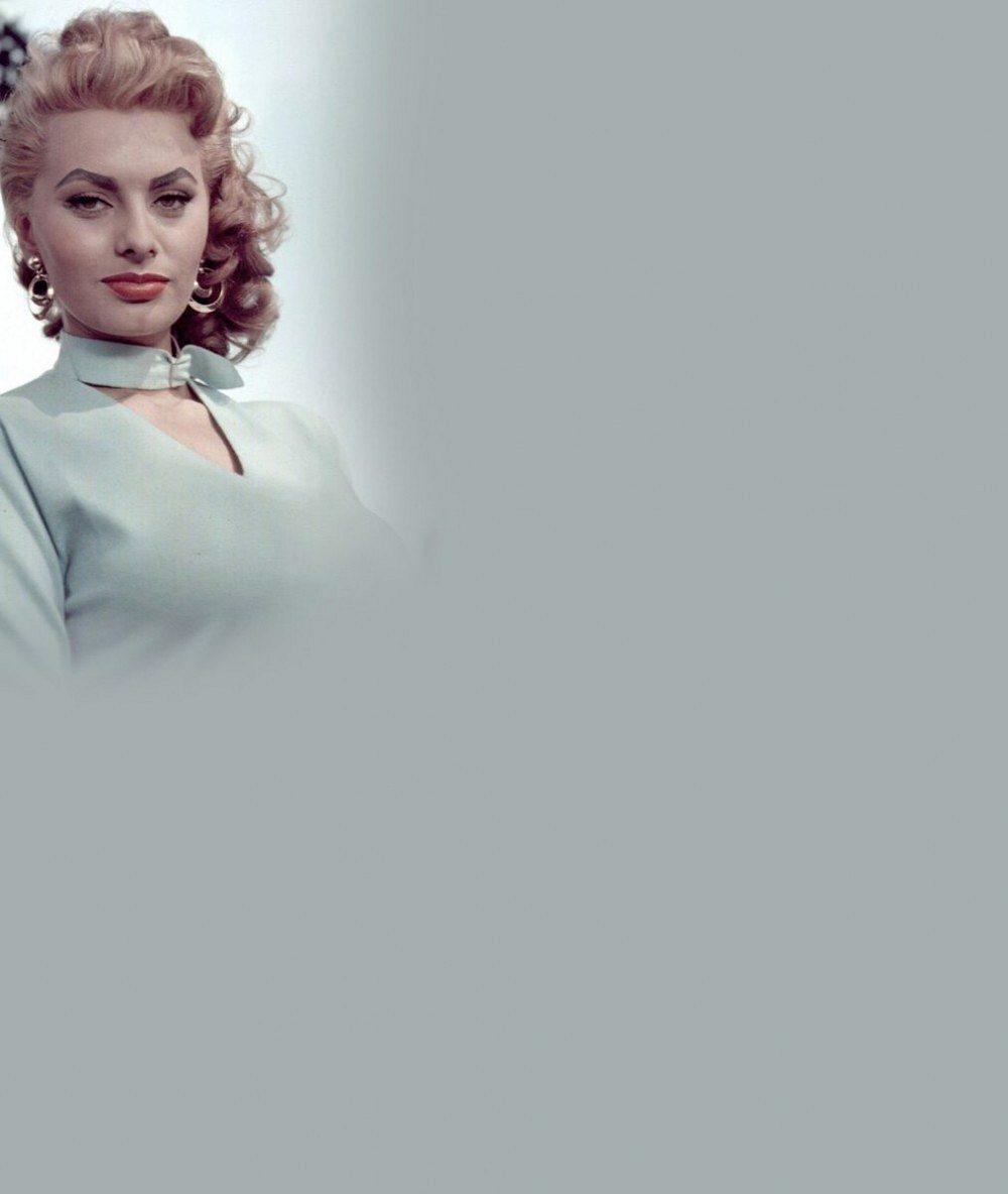 To je odvaha: Božská Sophia Loren si na prahu 80. narozenin vzala šaty s neuvěřitelným výstřihem a vystavila své vnady