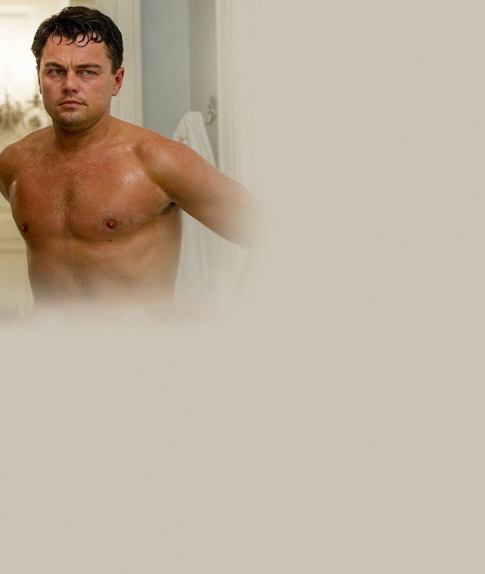 Leovi DiCapriovi od loňska nápadně narostlo bříško: Vyváří mu mladá přítelkyně?