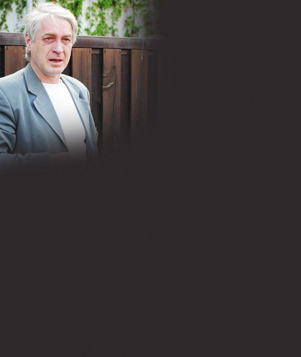 Rvačka před Ivetiným domem: Agresivní Rychtář vrazil facku Macurovi, který ho označil za vraha Bartošové