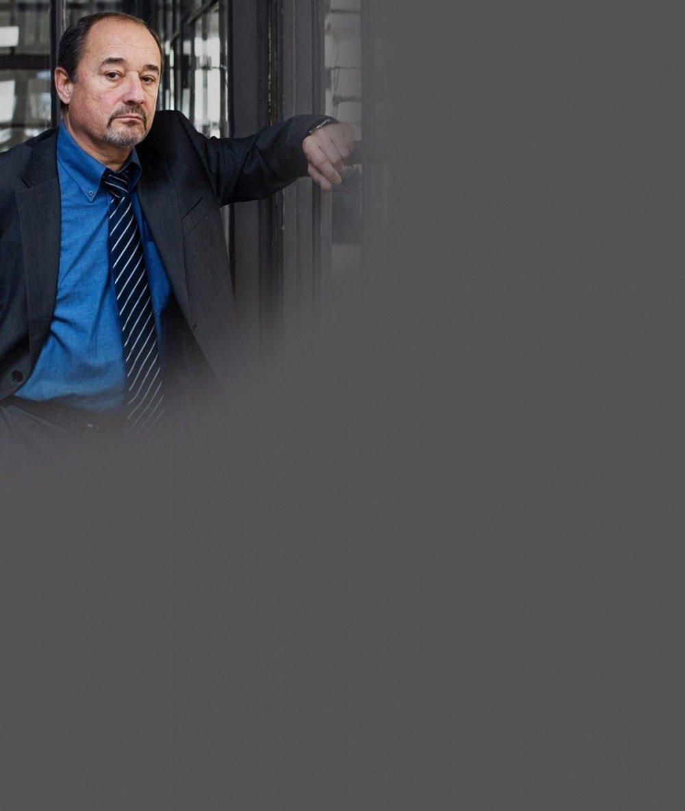 Starosti se synem, který vyhrožoval sebevraždou, ho zmáhají: Viktor Preiss ruší divadelní představení