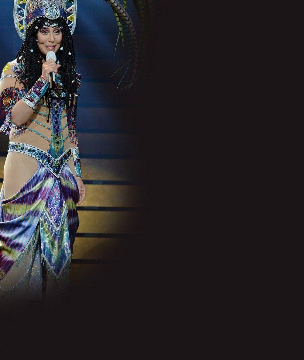 Královna nevkusu Cher nezklamala: Na prahu sedmdesátky přišla na pódium v téhle kreaci
