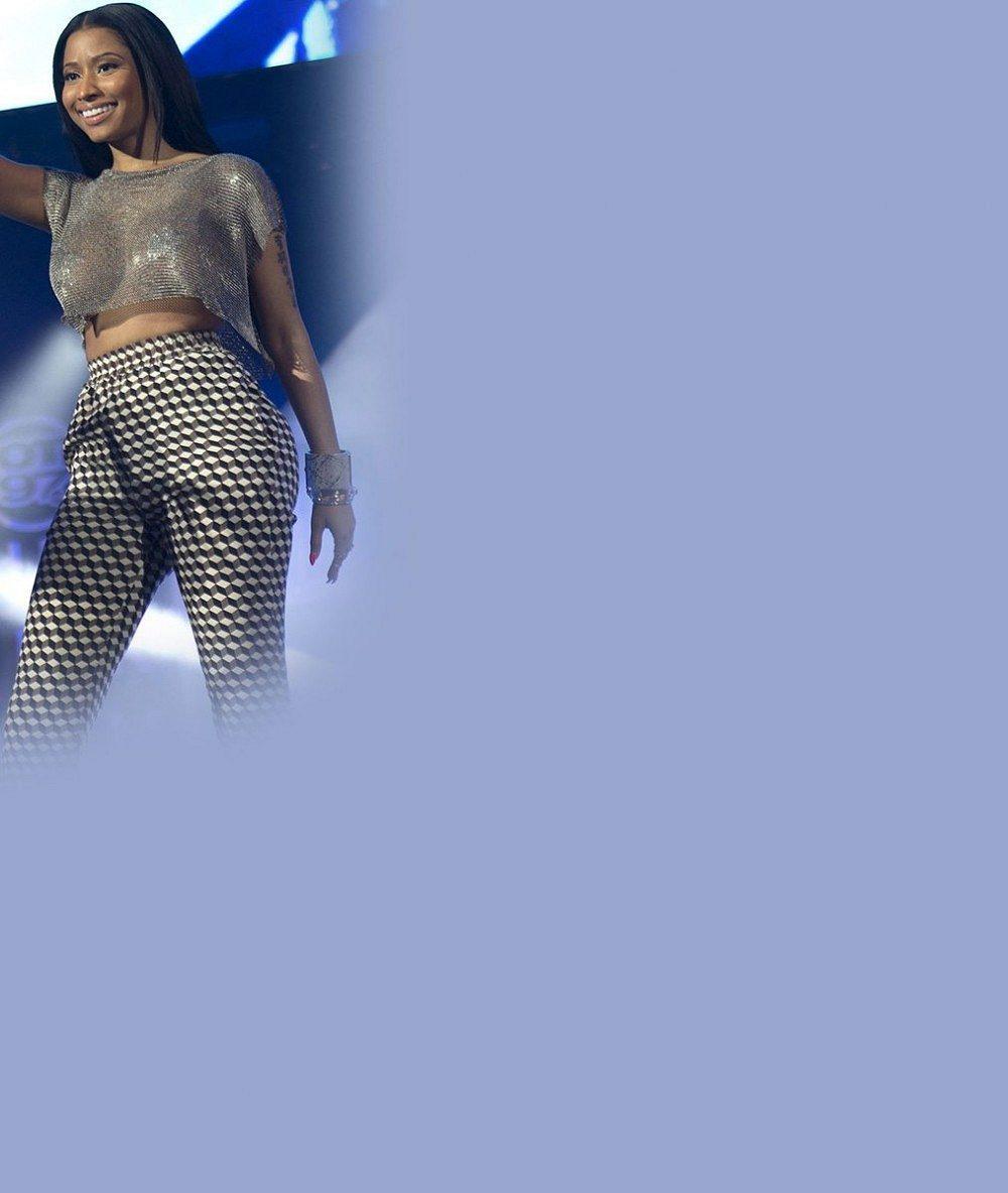 Nicki Minaj už se 'neprsí' jen na selfies: Její hrudník mohli fanoušci obdivovat naživo!