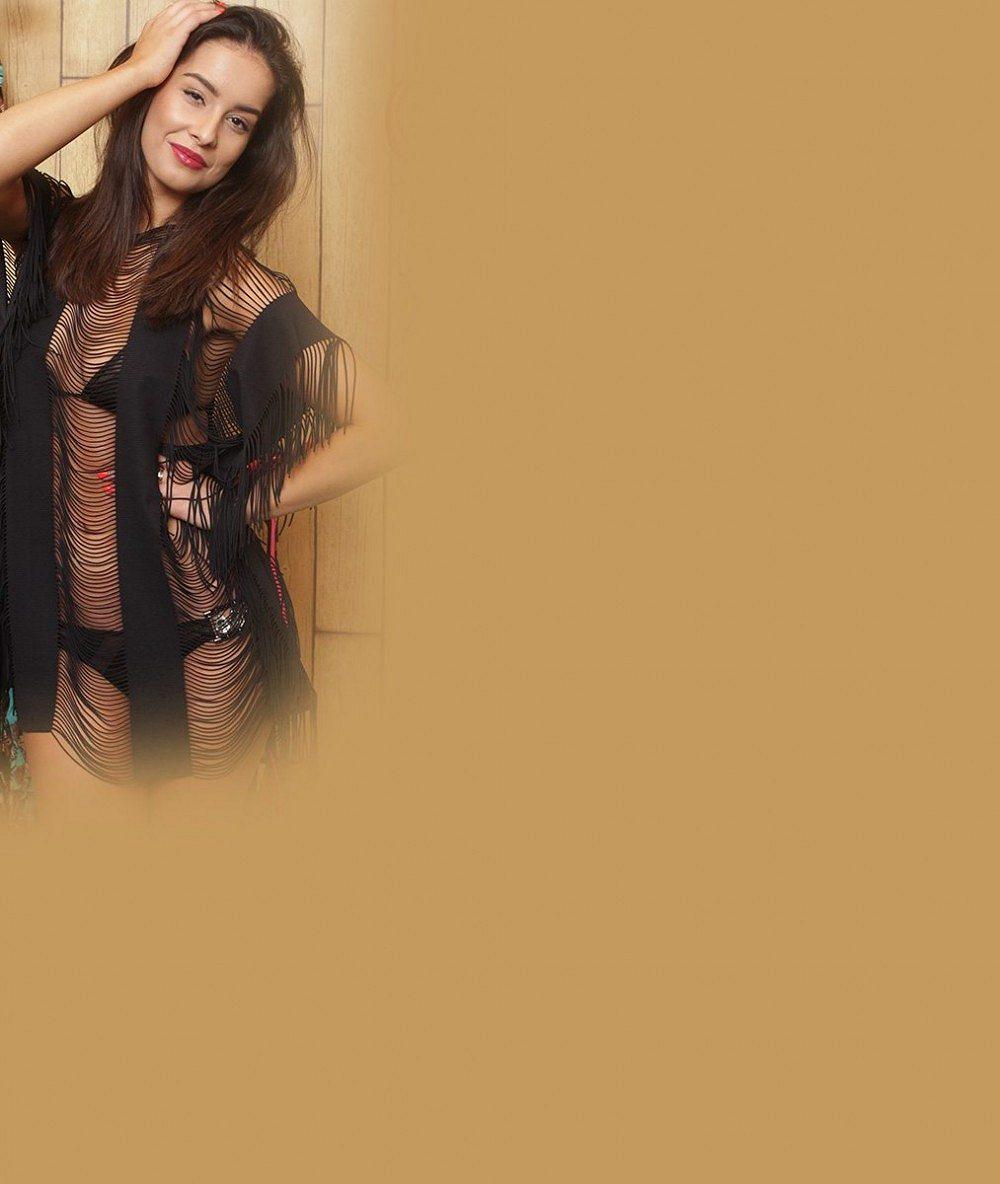 Tomu se říká trapas: Dvě známé krásky si oblékly v jeden večer úplně stejný top. Obě bez podprsenky