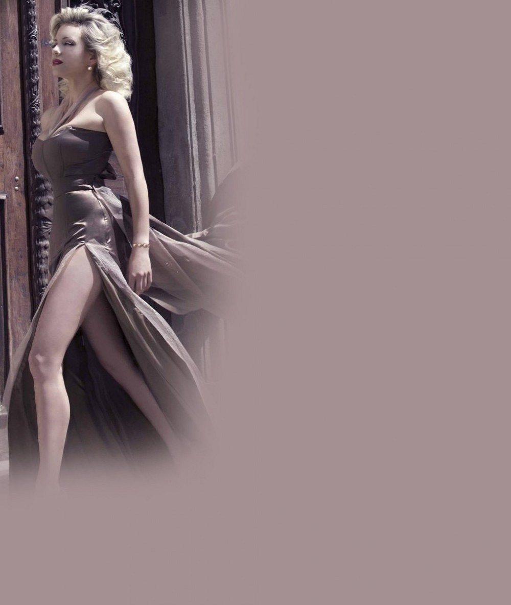 Obří dekolt a síťované punčošky: Takhle vystrojená bude sexy Mátlová ve Fantomovi opery
