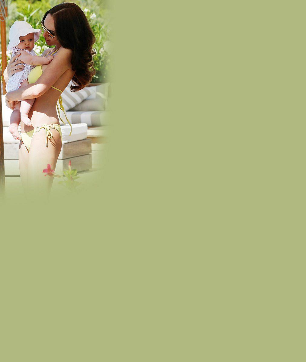 Pohádkově krásná a bohatá dcera šéfa F1 má čtyři měsíce po porodu figuru jako nikdy dřív!
