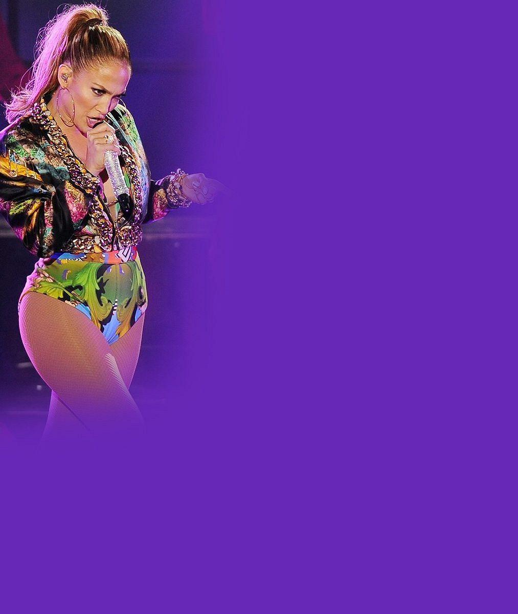 Nejžhavější čtyřicátnice se vyznamenala: Na pódiu řádila vplavkách stakovým nasazením, že na ní praskly punčochy