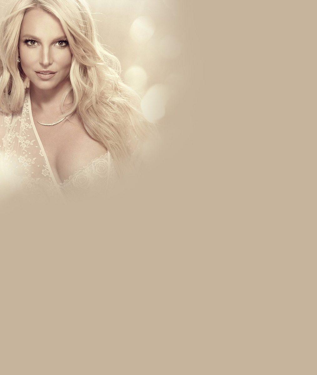 Podívejte, jak si Britney Spears nově libuje ve svém vyretušovaném já