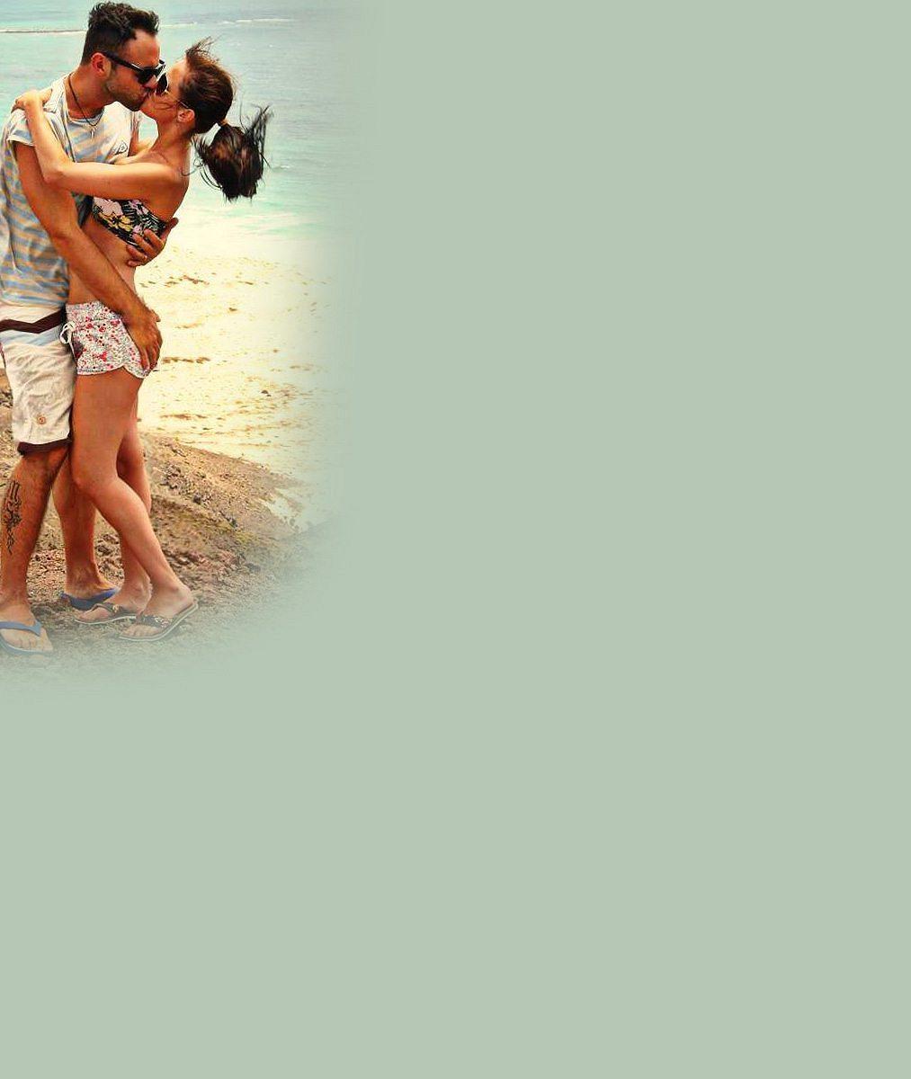 Je nádherná: Český zpěvák se pochlubil svou novomanželkou. Podívejte, jak si užívala na pláži v exotice