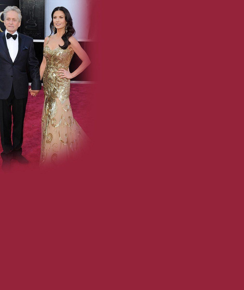 Slavný herecký pár slaví jubileum: 7fotek zachycujících bouřlivý vztah Michaela Douglase ao25let mladší Catherine Zety-Jones