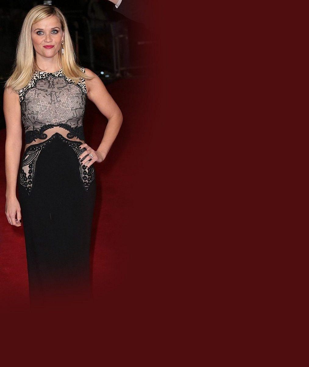 Pravá blondýnka po 13 letech: Reese Witherspoon si i po třech dětech může zahrát naivní studentku