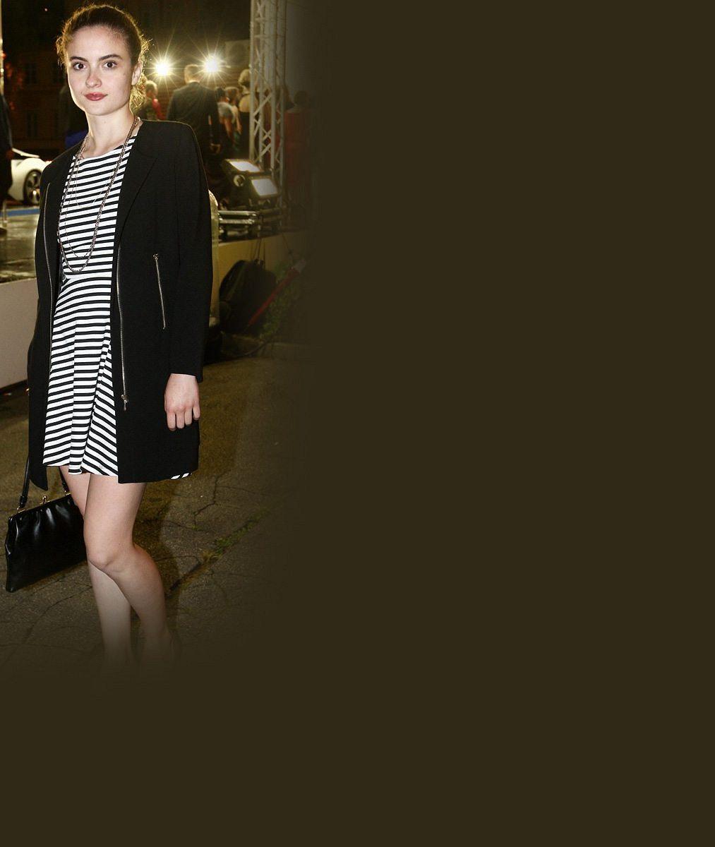 Mádlova holka si užívá luxusu: Na Lvy přišla bez přítele, zato v nejdražším outfitu včetně norka na ramenou