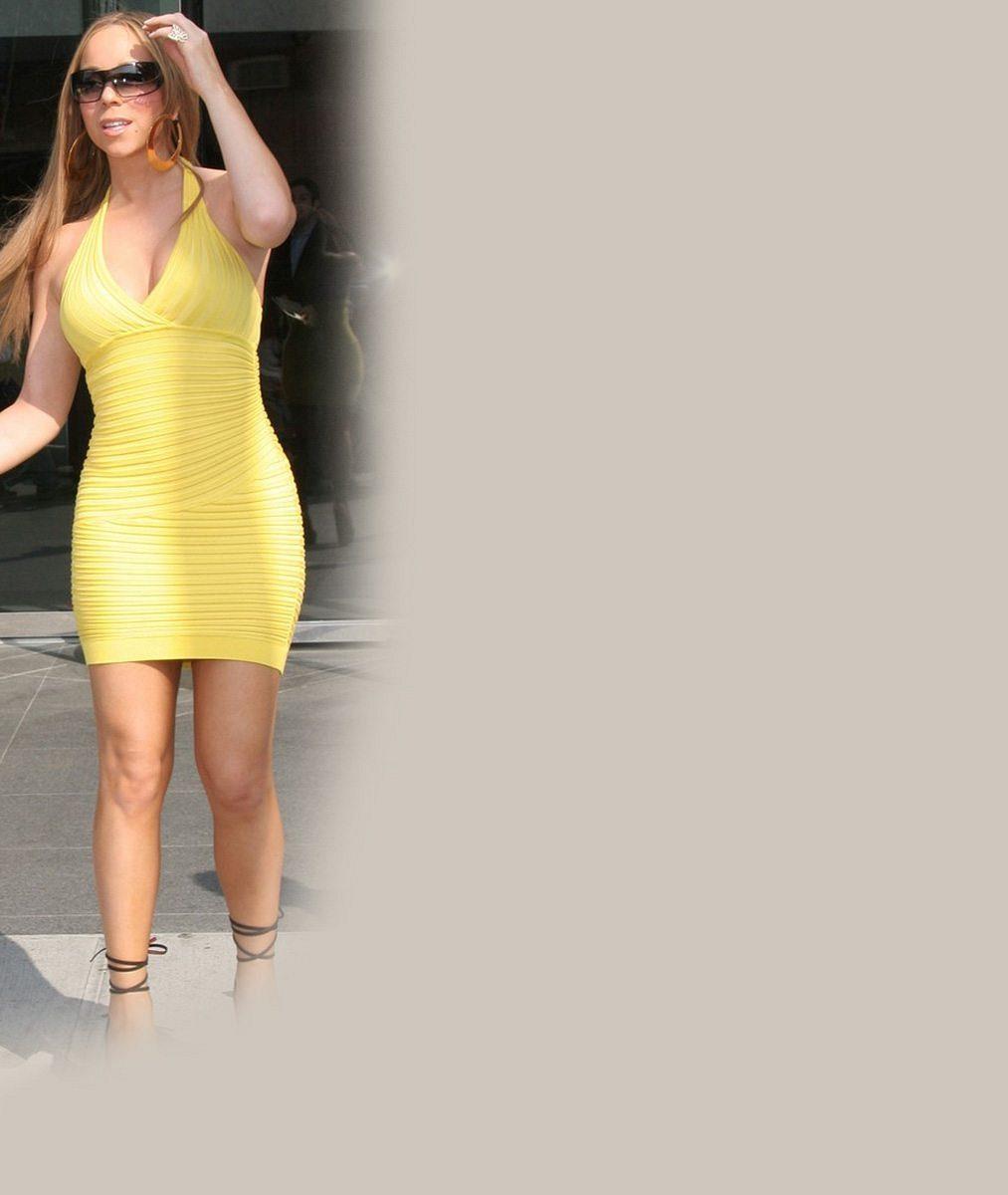 Ukaž, co se dá: Nevkusné kostýmy dělají z Mariah Carey na turné matronu