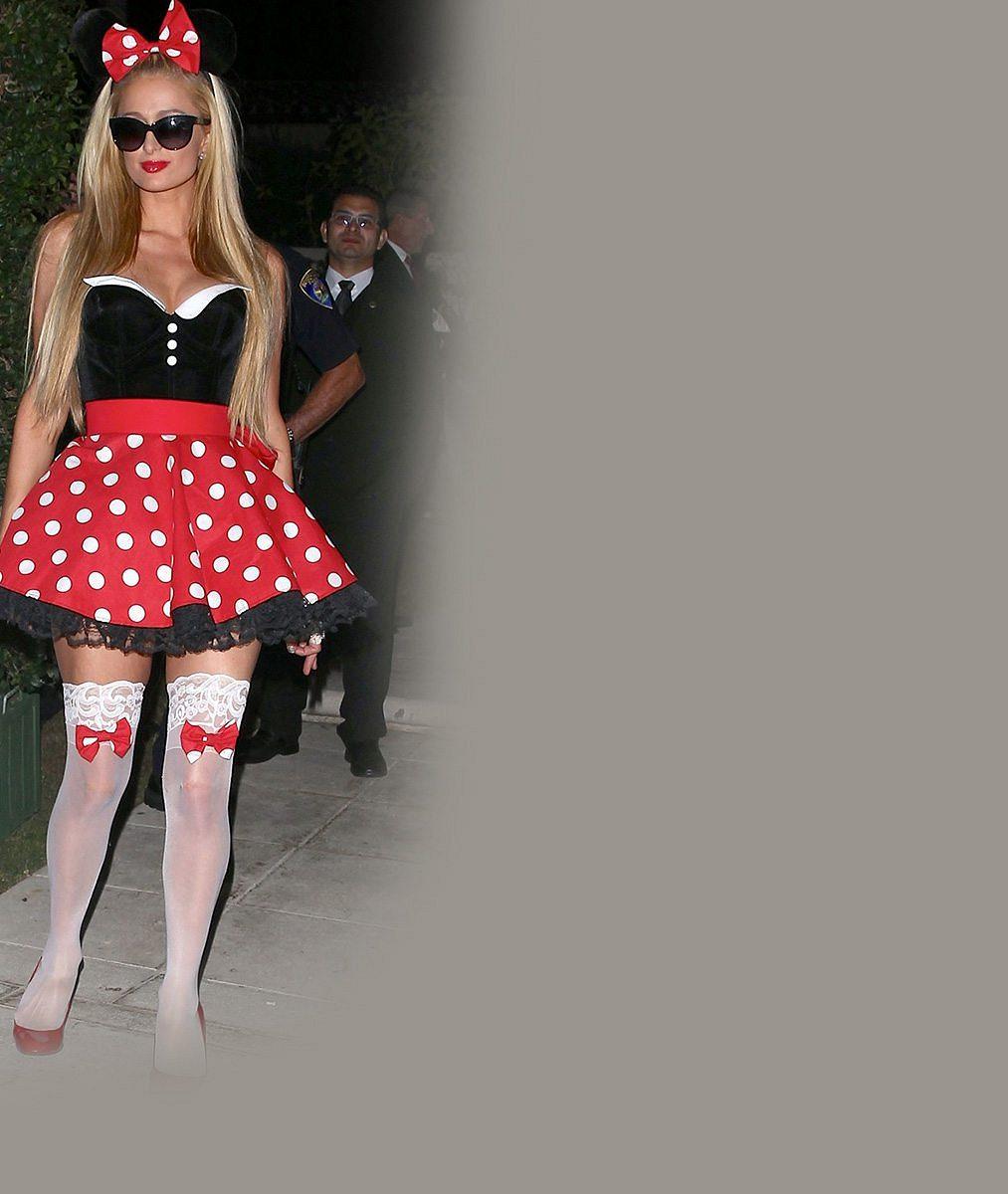 Roztomilý kostýmek Paris Hilton? Tak se podívejte, co měla na kalhotkách