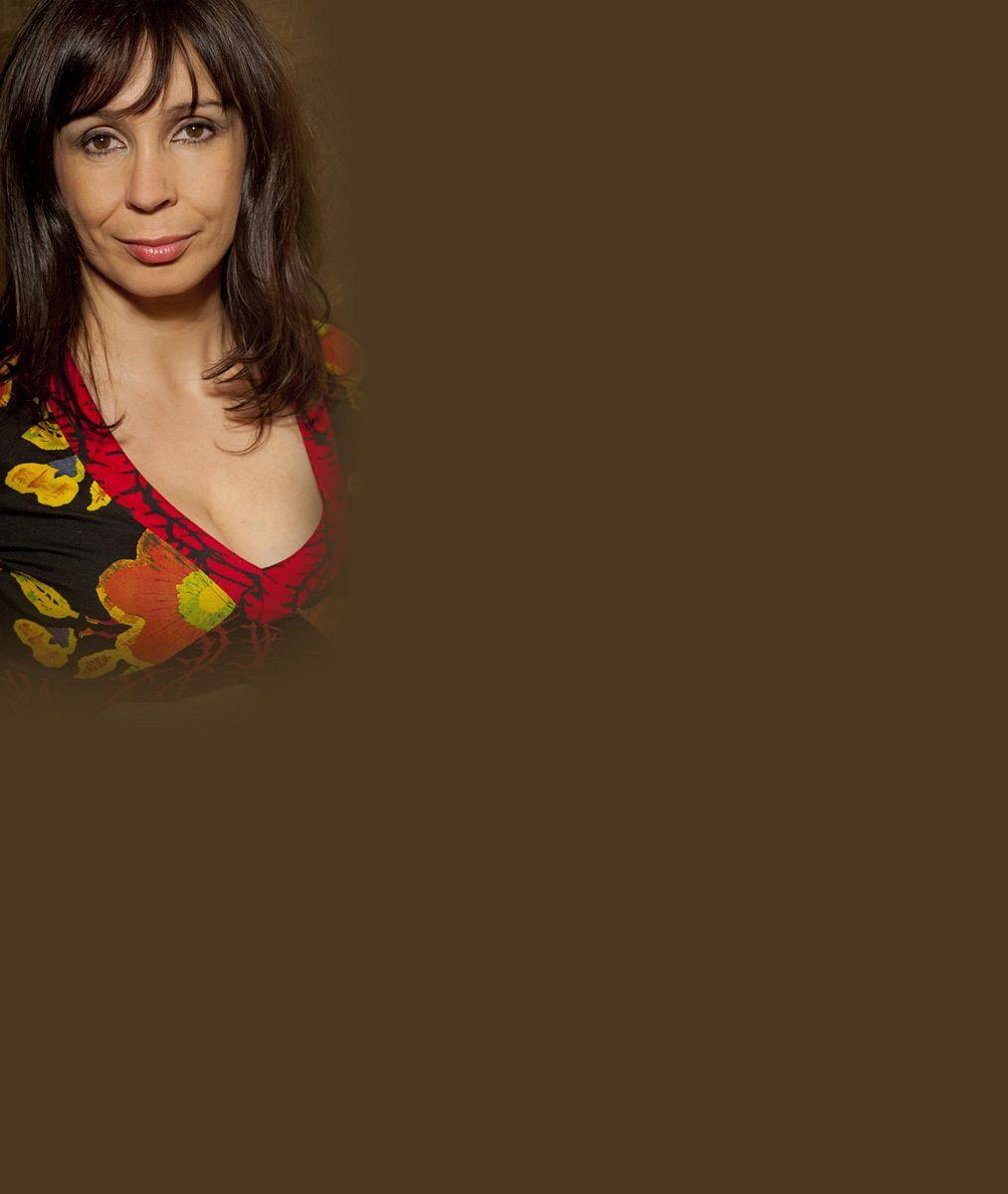 Nela Boudová v roli modelky: V padesáti vystoupala na molo a předvedla se s hlubokým výstřihem