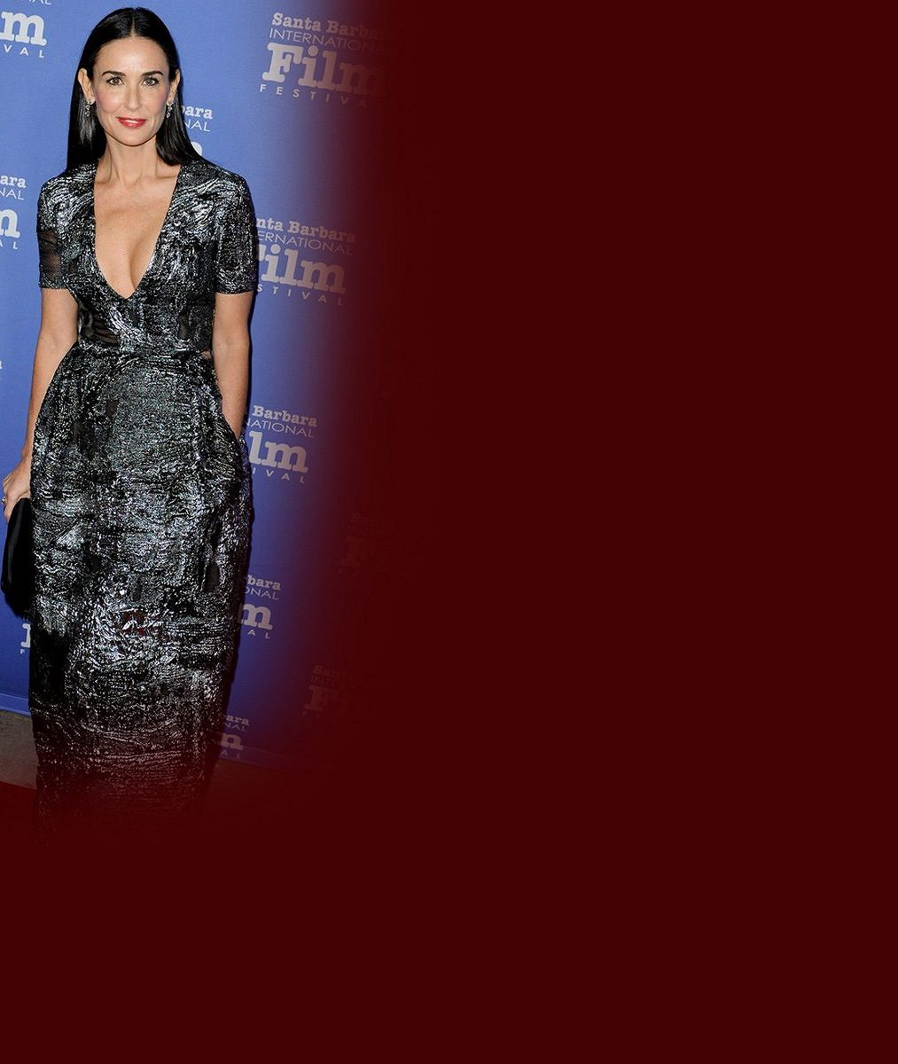 Do starého železa ještě nepatří: Takhle padesátnice Demi Moore vyvenčila vnady, s nimiž zazářila na filmovém plátně