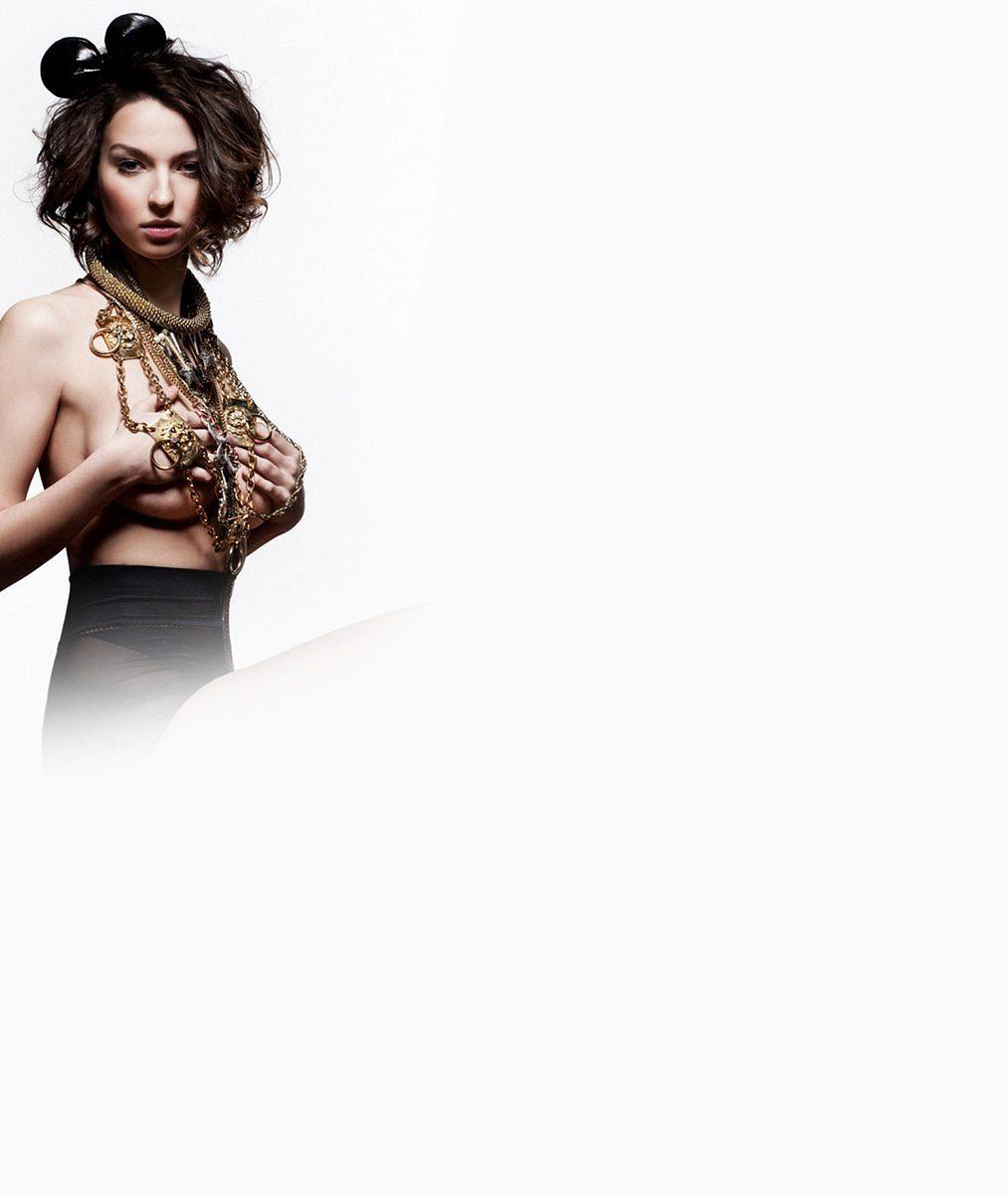 Vnadná Fergie, sexy Katy Perry i Eva Pilarová: Připomeňte si úžasné proměny vítězky Tváře Bereniky Kohoutové