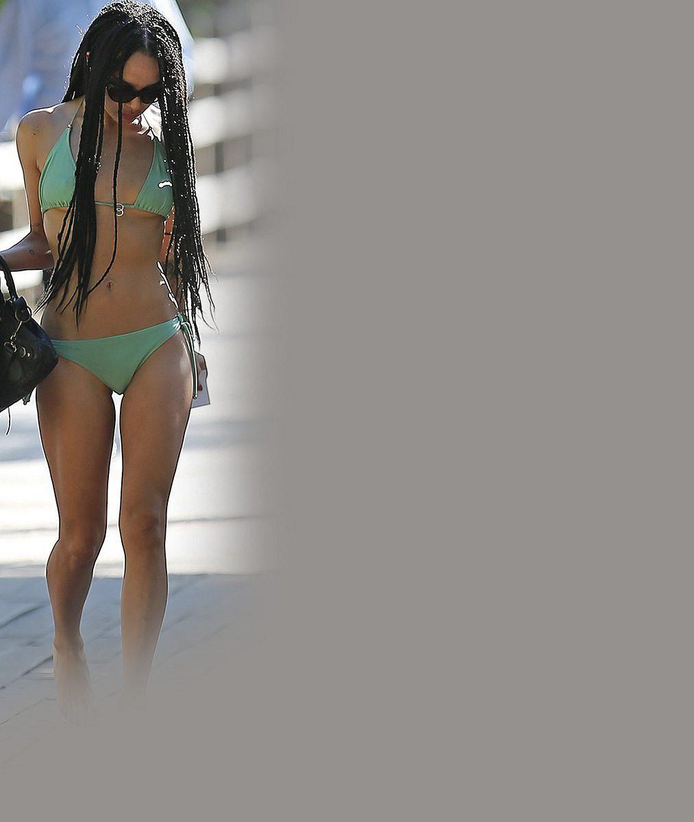 Dcera Lennyho Kravitze má vážně skvostnou figuru: Na Miami se pyšně vystavovala v bikinách