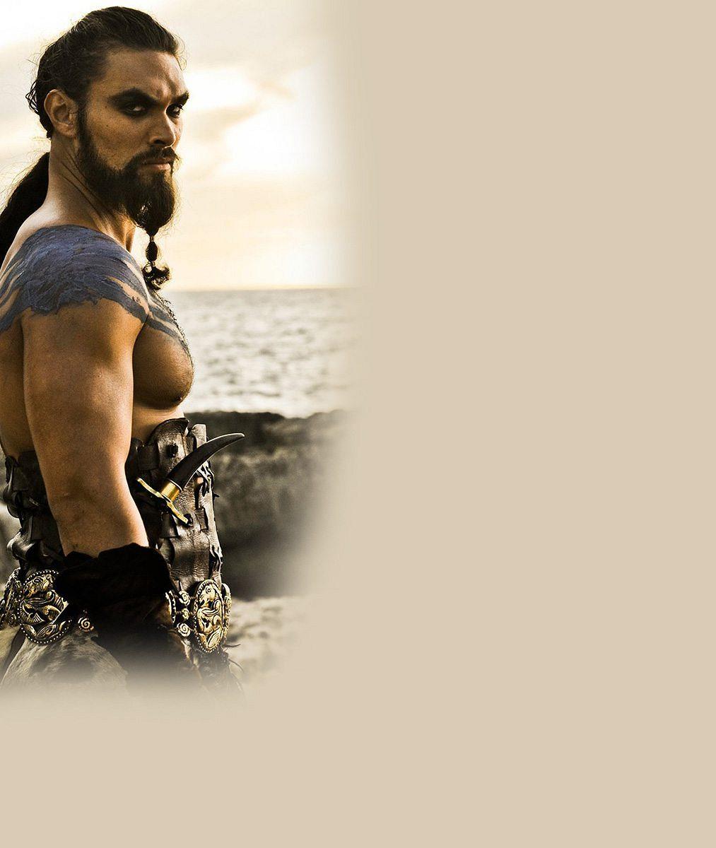 Hergot, to je chlap! Khal Drogo ze Hry o trůny naložil svých 193 centimetrů do bazénu