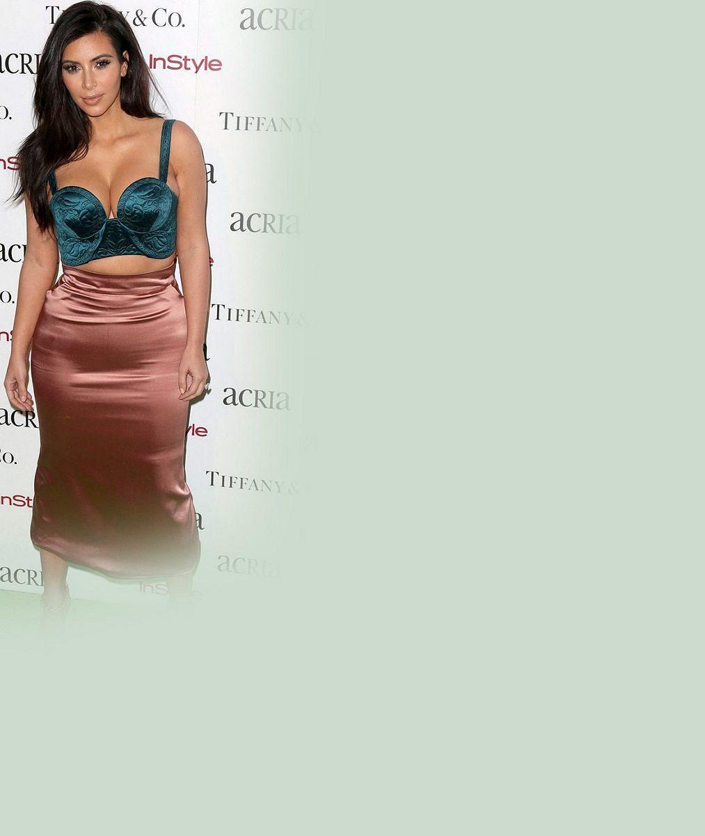 Takhle jste ji ještě neviděli: Panička Kim Kardashian vyrazila na nákup do supermarketu. Neuvěříte, co nastrkala do vozíku