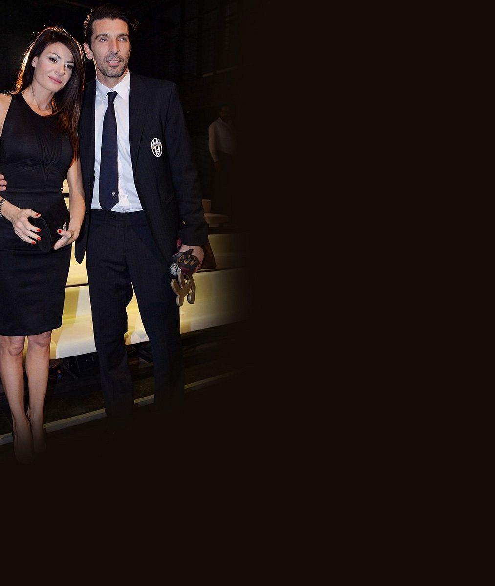 Tohle se ti, Aleno, líbit nebude: Zamilovaný Gigi Buffon se poprvé oficiálně pochlubil sexy přítelkyní