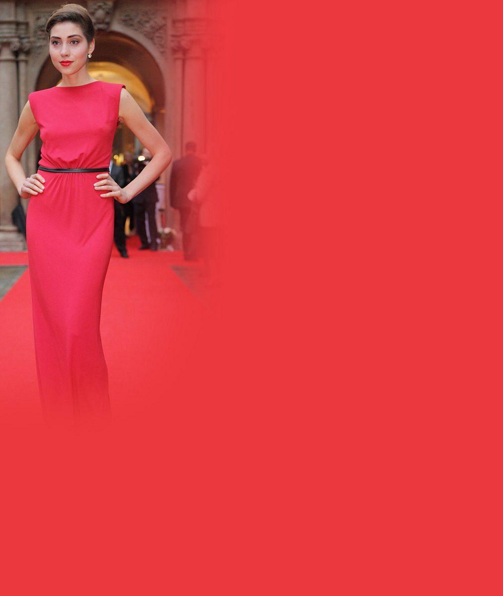 Majitelka těchto skvělých křivek řekla 'ano': Krásná Česká Miss World 2011se bude vdávat