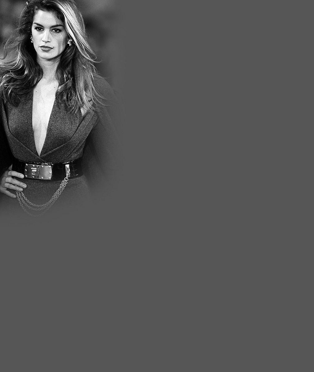 Cindy Crawford šla s reálnou kůží na trh: Její nedokonalá fotka v prádle bez retuše je senzací!