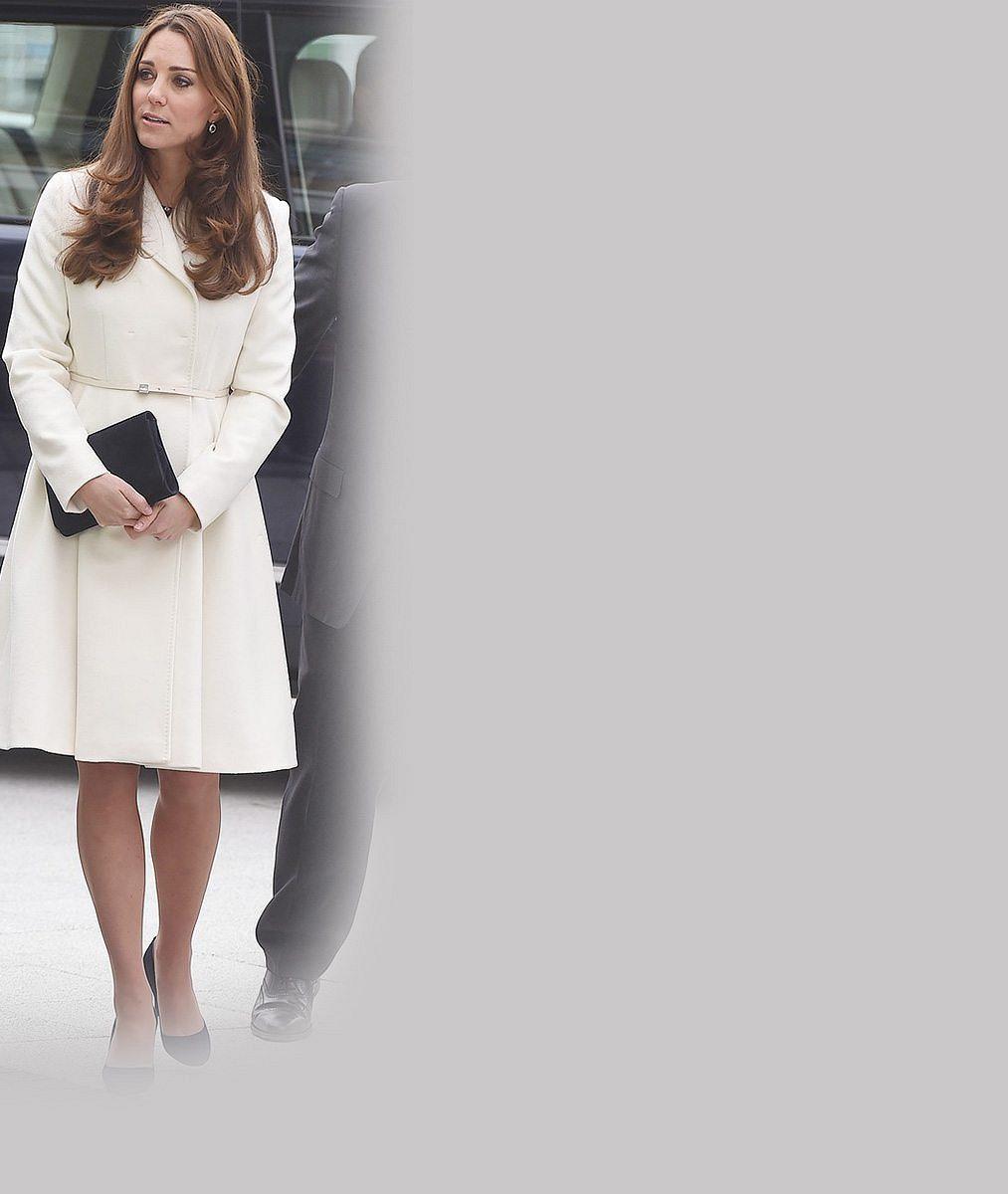 Podívejte, jak krásně roste: Vévodkyně Kate už bříško v sedmém měsíci nezamaskuje