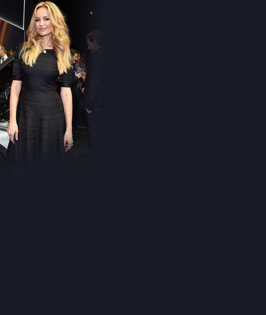 Šťastná novina: Modelka Adriana Sklenaříková (46) je těhotná