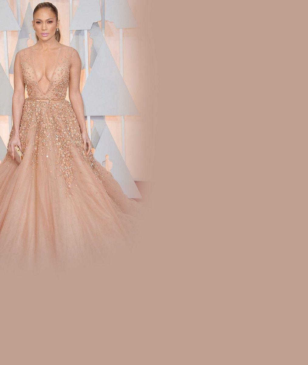 Ta nejlepší móda z Oscarů: Hluboké výstřihy, vysoké rozparky, šperky za milióny a vznešenost aristokracie