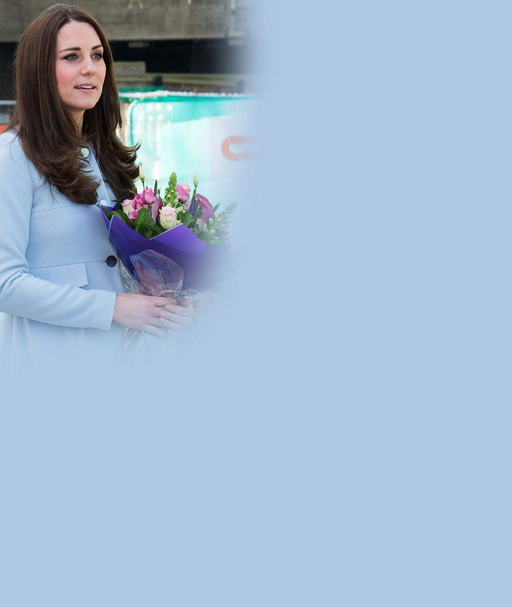Těhotná vévodkyně Kate na natáčení populárního seriálu: Mezi hlavními protagonisty se královsky bavila