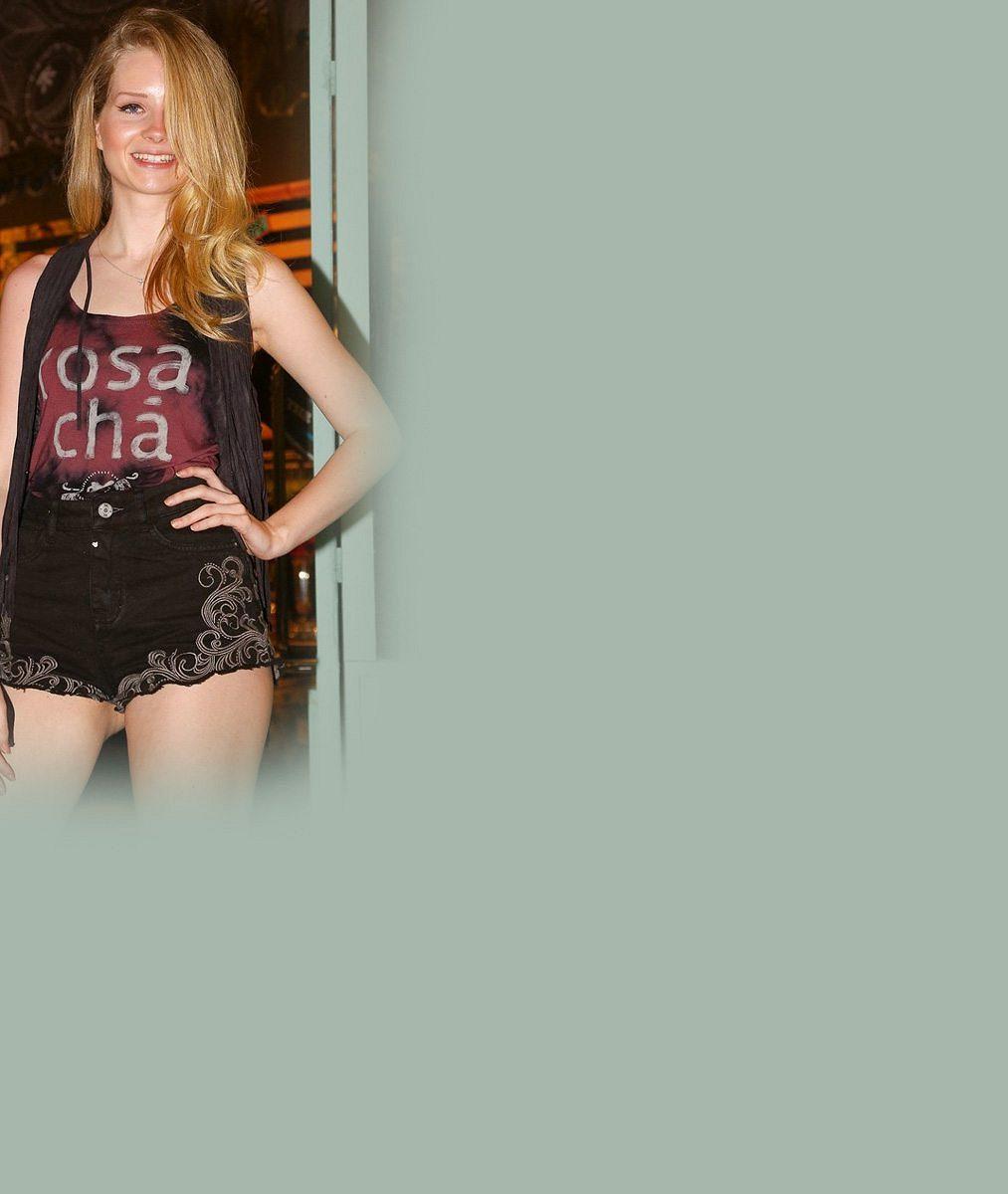 Kate Moss může jít do důchodu: Její šestnáctiletá sestra předvedla dokonalá stehýnka v kraťounkých šortkách