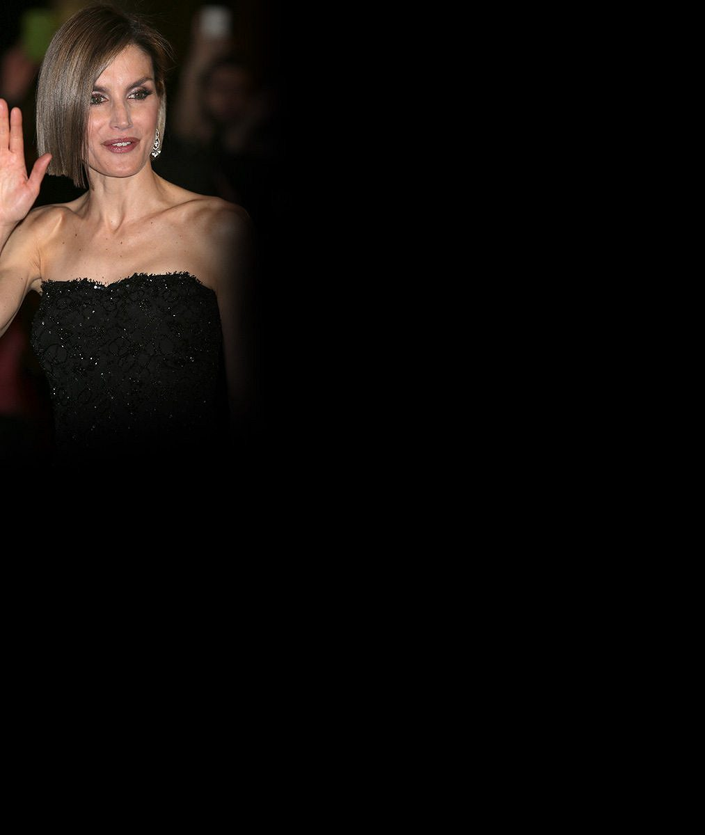 Španělská královna radikálně zkrátila vlasy. A je tak hubená, že i Salma Hayek vedle ní působila robustně