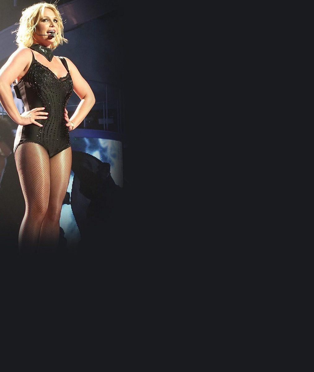 Videoklip vs. realita při natáčení? Faldy Britney Spears jsou zázračně fuč!