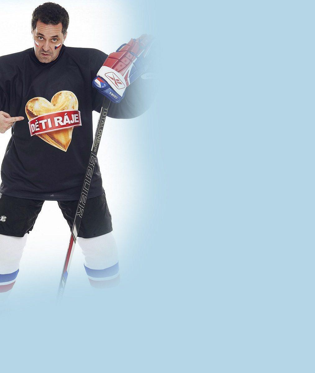 Dejdar už po operaci zase skáče přes kaluže: Fandí hokejistům a piluje novou roli