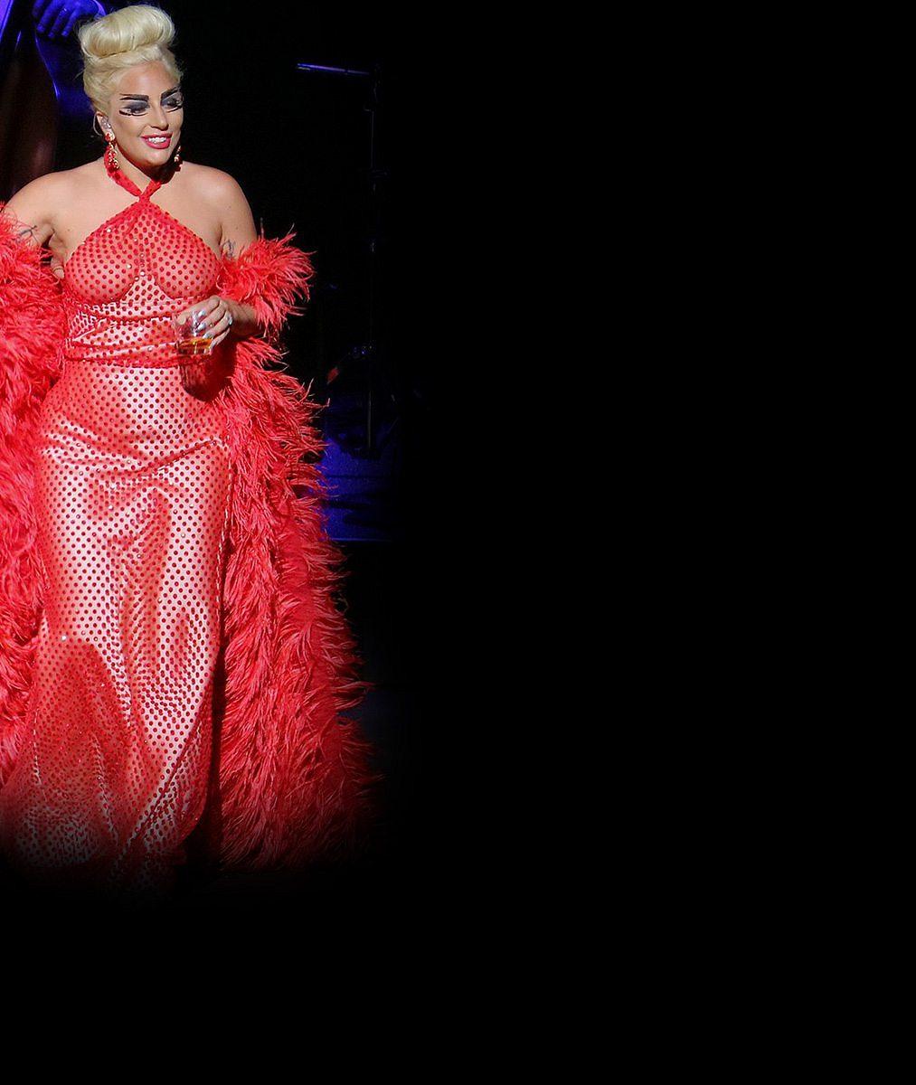 Na tuhle návštěvu Londýn nezapomene: Lady Gaga jako splněný erotický sen každého rybáře