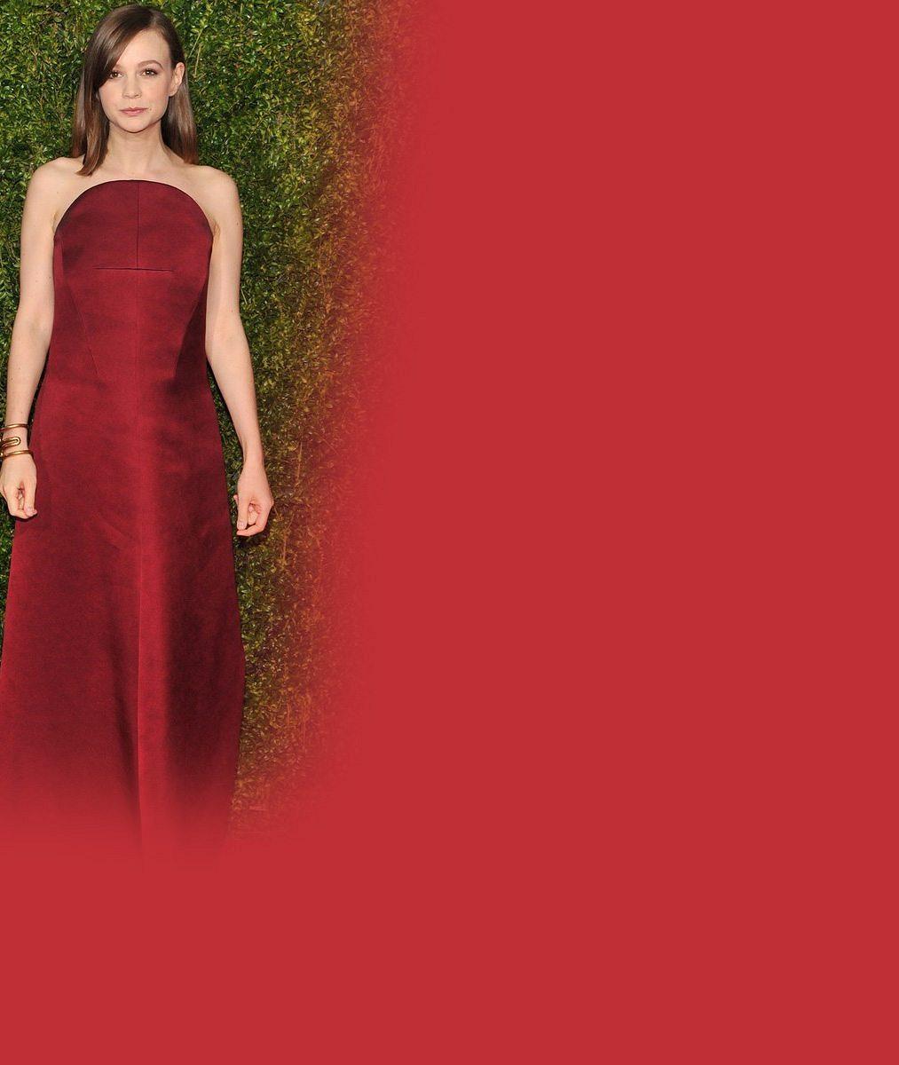DiCapriova filmová milenka je těhotná: Takhle na červeném koberci maskovala bříško